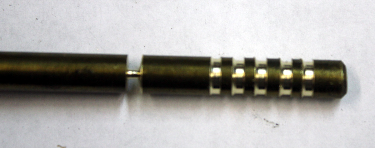 Center brass barb Derale